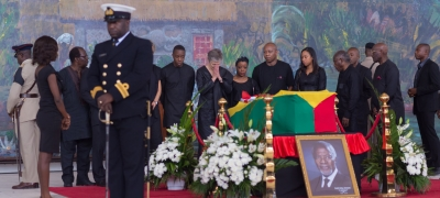 Surrounded by family, former Secretary-General Kofi Annan's widow Nane pays final respects to her late husband in Accra, Ghana on 13 September 2018.
