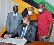 Jamaica and the ILO sign grant agreement to support formalization in the Agriculture and Fisheries sectors